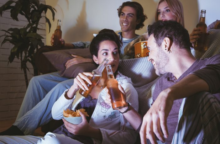 how to throw a movie night, movie night with friends ideas